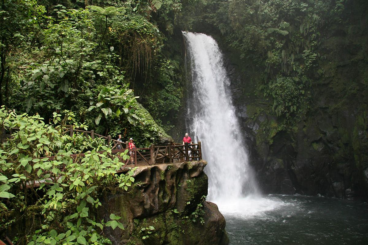 Catarata La Paz - Bosque de Paz - Costa Rica Nature Reserve Eco Lodge